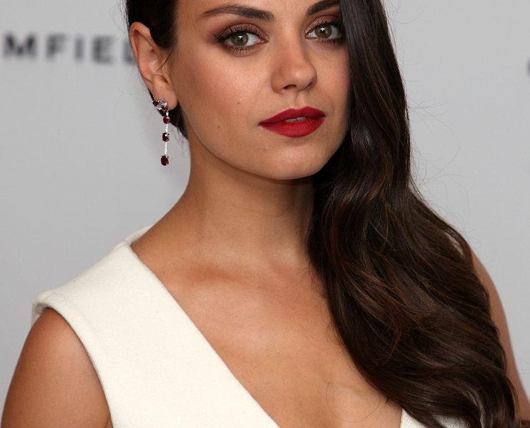 Mila Kunis Stunning Beauty